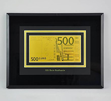 Картины, шкатулки с банкнотами