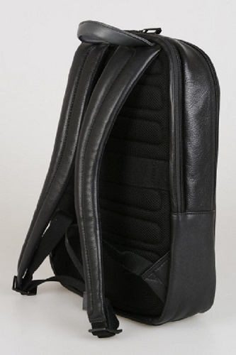 CA3869P15/N Рюкзак Piquadro Pulse черный натур.кожа 40*31*11