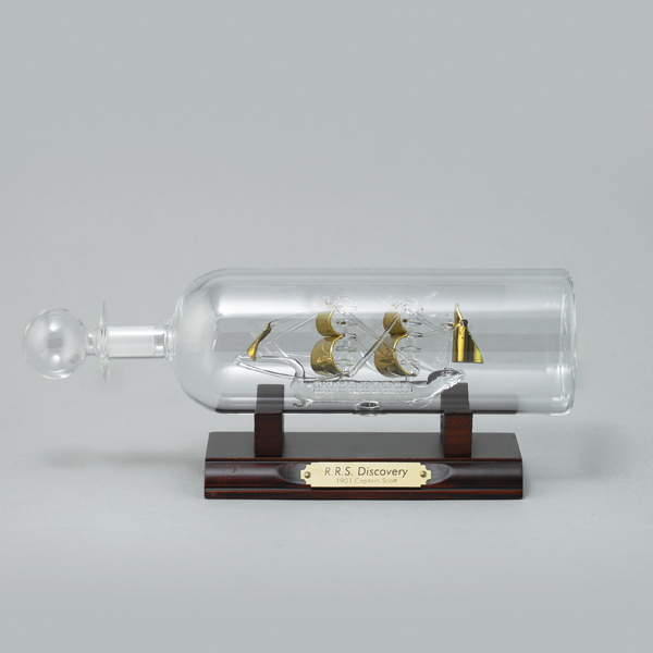 "MF-DIS-65-G Корабль в бутылке ""Дискавери"", Джеймс Кук 1774-1776 гг. 65 мм"